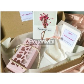 Classic Gift Box 2